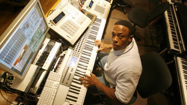 Dr. Dre | 50 Cent In Da Club | Remaking The Beat On iPad [Mobile Tip Tuesday]